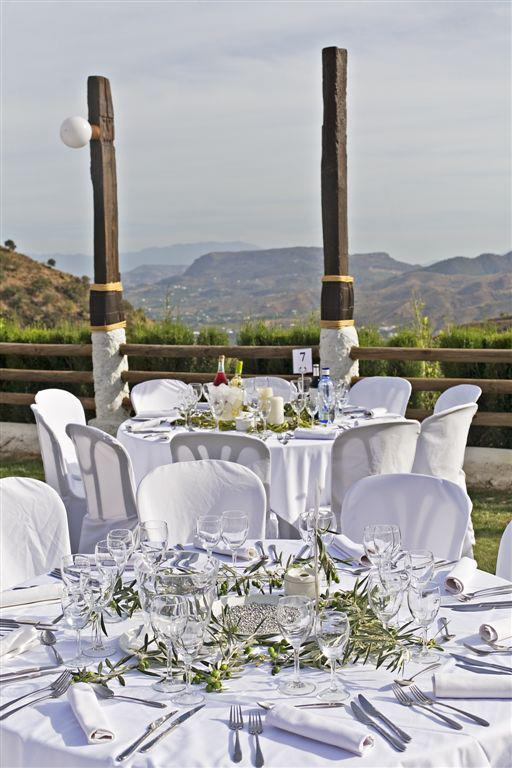 white linen_view of valley_wedding.jpg