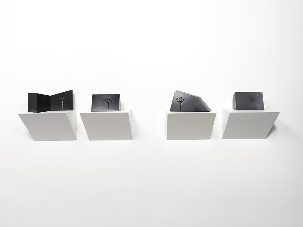 m- arbre installazione, 2012 marmo nero di Belgio/black belgian marble
