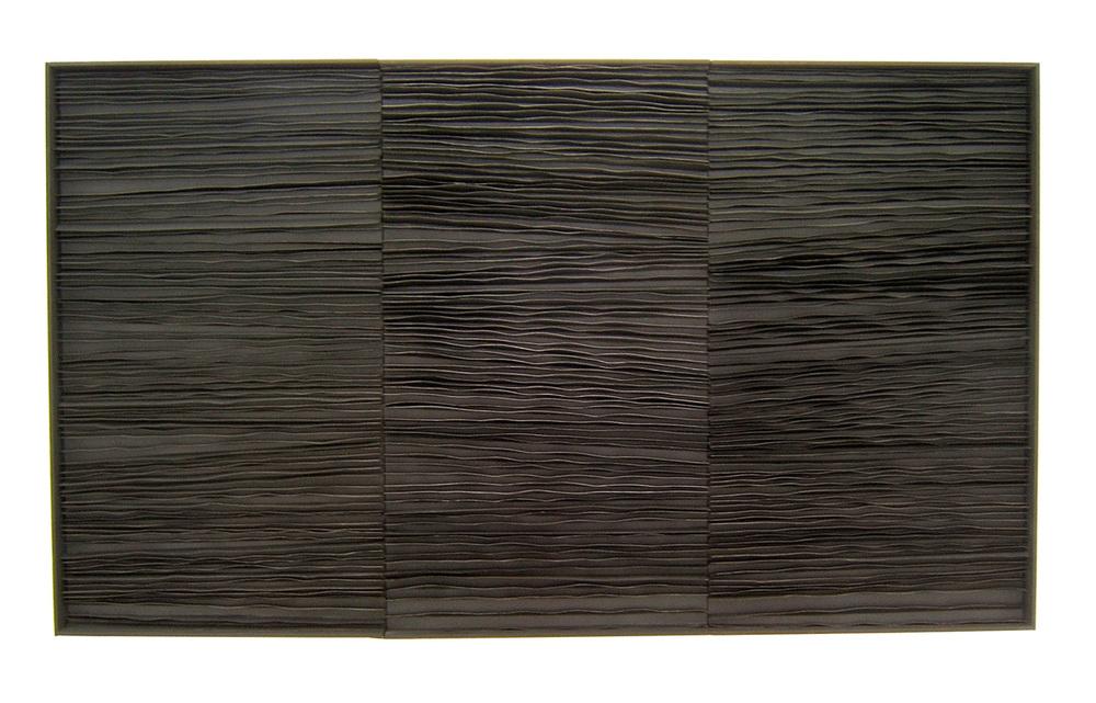 Senza Titolo , 2010 legno e carta cm 122x210x11