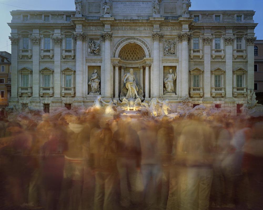Fontana di Trevi, Roma, 2007 C-print on Diasec o stampa digitale su carta Hahnemuhle, cm 170x200 - 80x100 - 39x47,5 - 42x60 (ed. 3 - ed. 5 - ed. 20 - ed. 20)