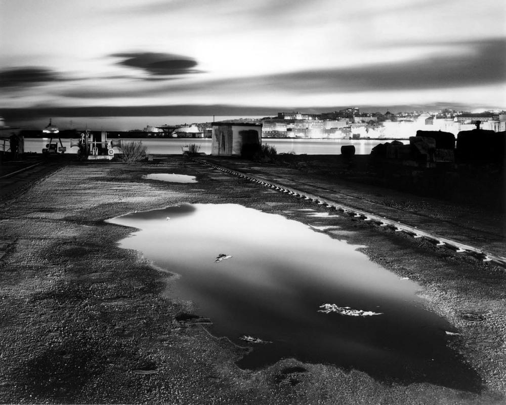 Pozzanghera, porto di Napoli, 2001 Stampa digitale su carta Hahnemuhle, cm 100x120 / cm 120x140 (ed. 6 + 1AP)