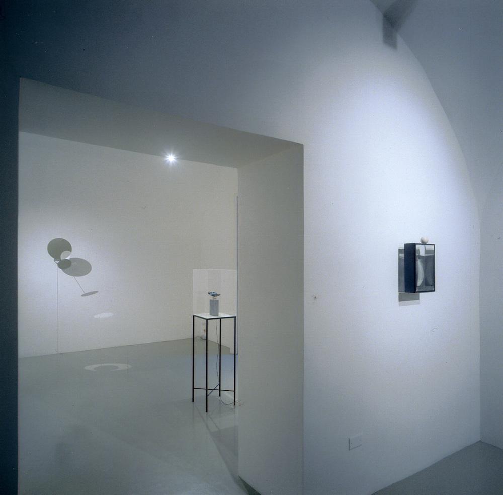 Rebecca Horn, Installazione\Installation View, Studio Trisorio, Napoli 30.10.2003
