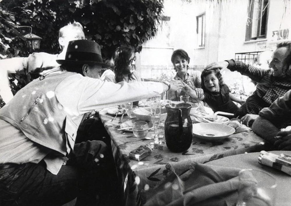 Casa Trisorio. Napoli 06.1972 .  Joseph Beuys, Lucia Trisorio, Laura Trisorio, Lucio Amelio at Casa Trisorio.Photo Gianfranco Gorgoni