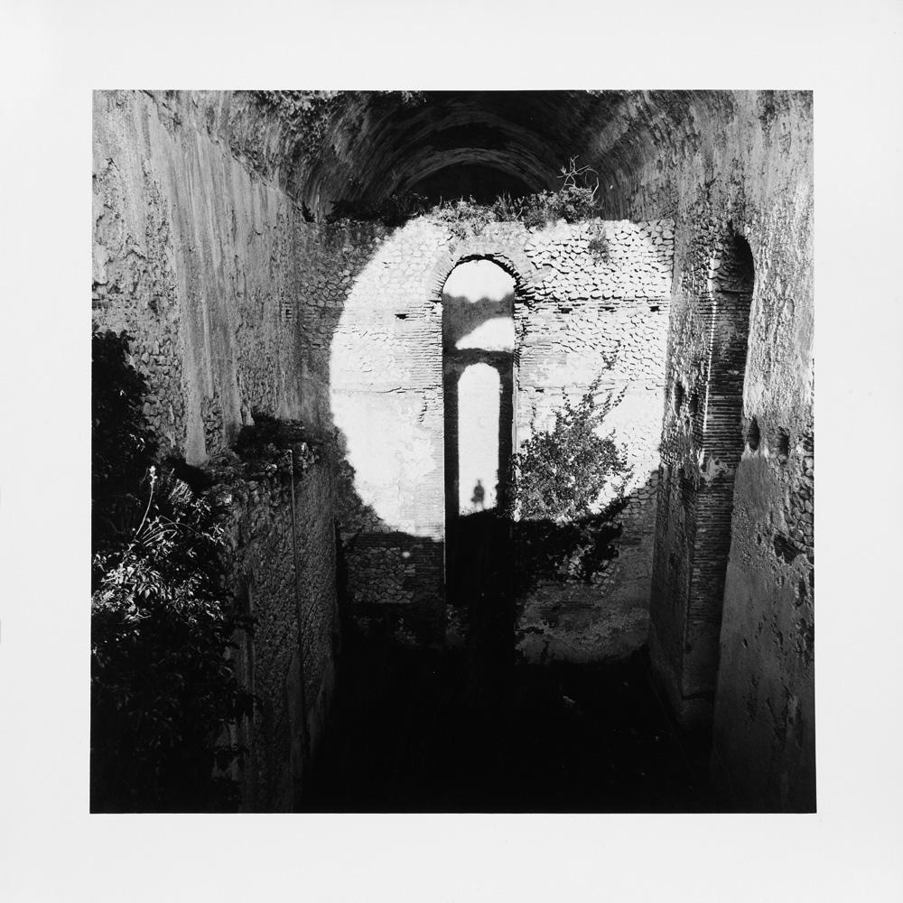 Mimmo Jodice  Capri un pretesto  Certosa di San Giacomo 01.07.1983