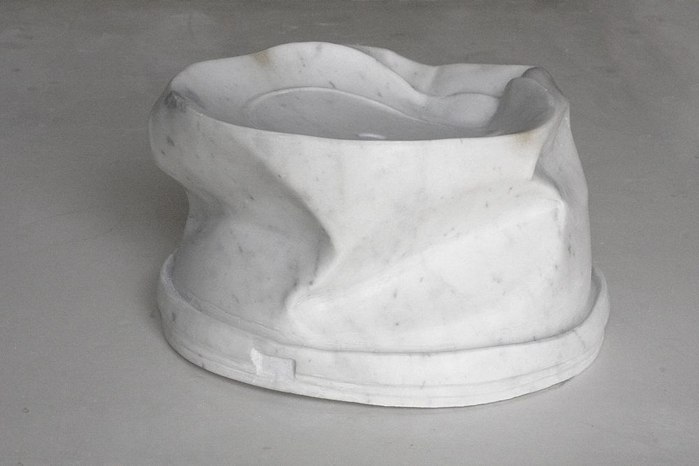 Secchio di plastica/Plastic Bucket, marmo bianco/ white marble, 20x20x10 cm, 2012