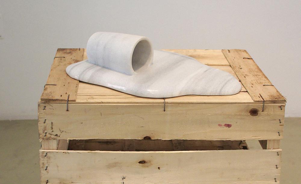 Riempimento/Fill, marmo bianco/ white marble, ca. 35x20x10 cm, 2006