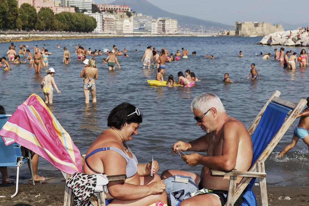 The Amalfi Coast  Napoli 2014, Pigment Print cm 65x90 ed. 1\10 (cm 100x150 ed. of 5) © Martin Parr / Magnum Photos / Studio Trisorio