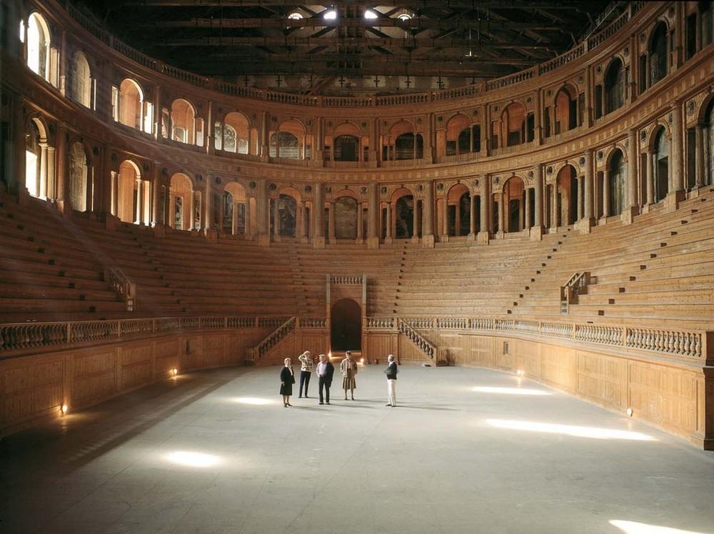 Parma, Teatro Farnese, 1985, da  Paesaggio italiano,  inkjet print, 2007, ed. 3/9