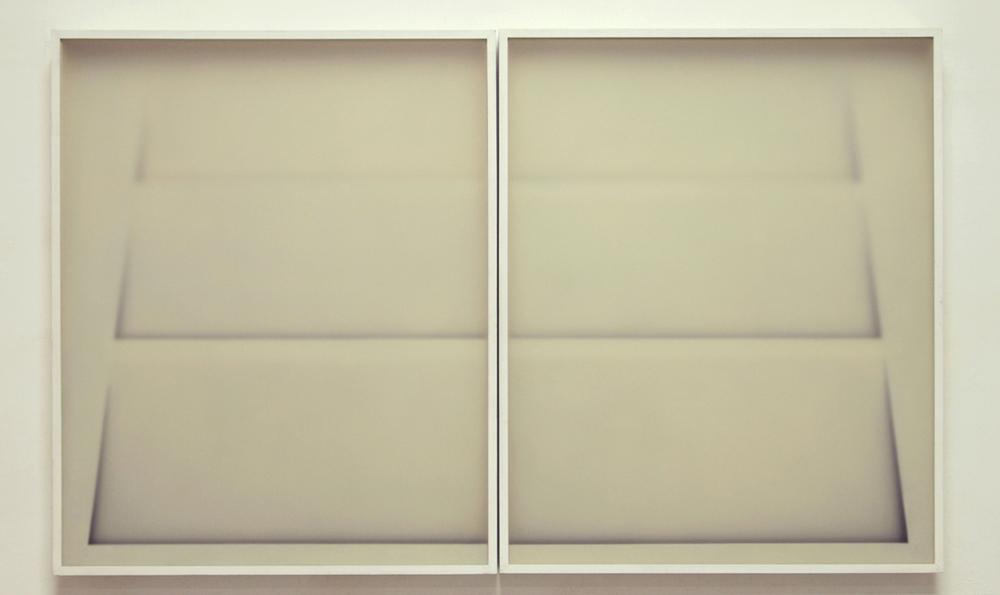 Alfredo Maiorino, Corpi fragili ,2015, vetro, carta, legno, cm 98 x 160