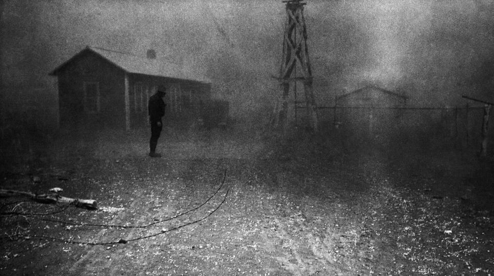 Dorothea Lange, Dust Storm , New Mexico, 1935, cm 39x70, framed cm 81x66