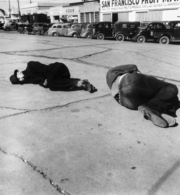 Dorothea Lange,  San Francisco Skid Row , 1934, cm 37x40, framed cm 55x55