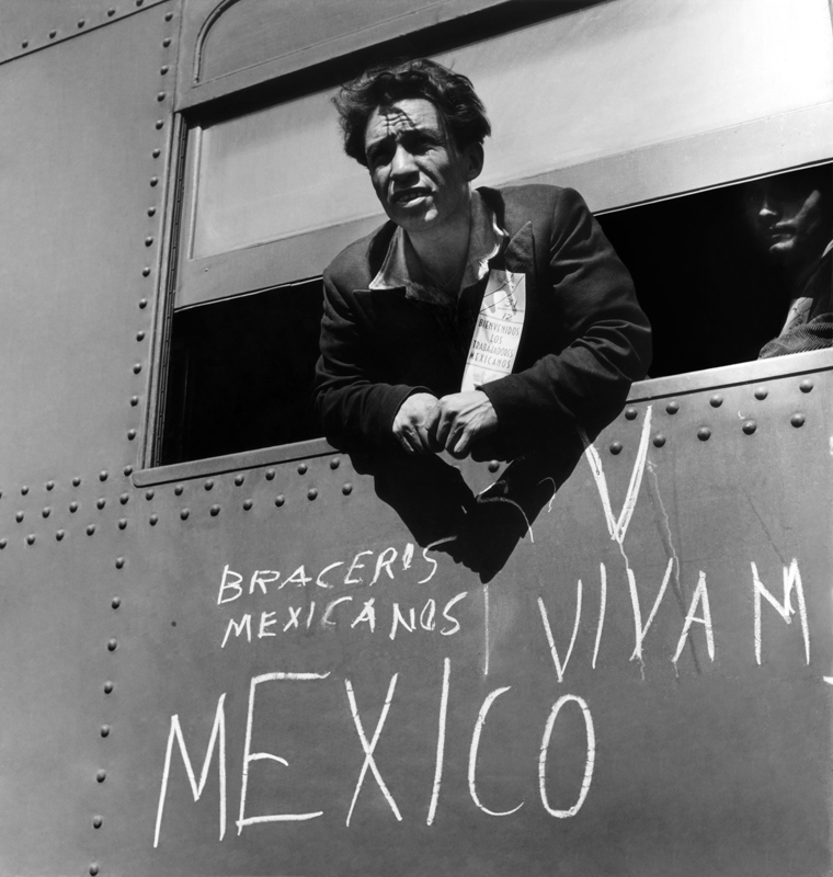Dorothea Lange,  First Braceros , 1942 ca, cm 38x40, framed cm 55x55