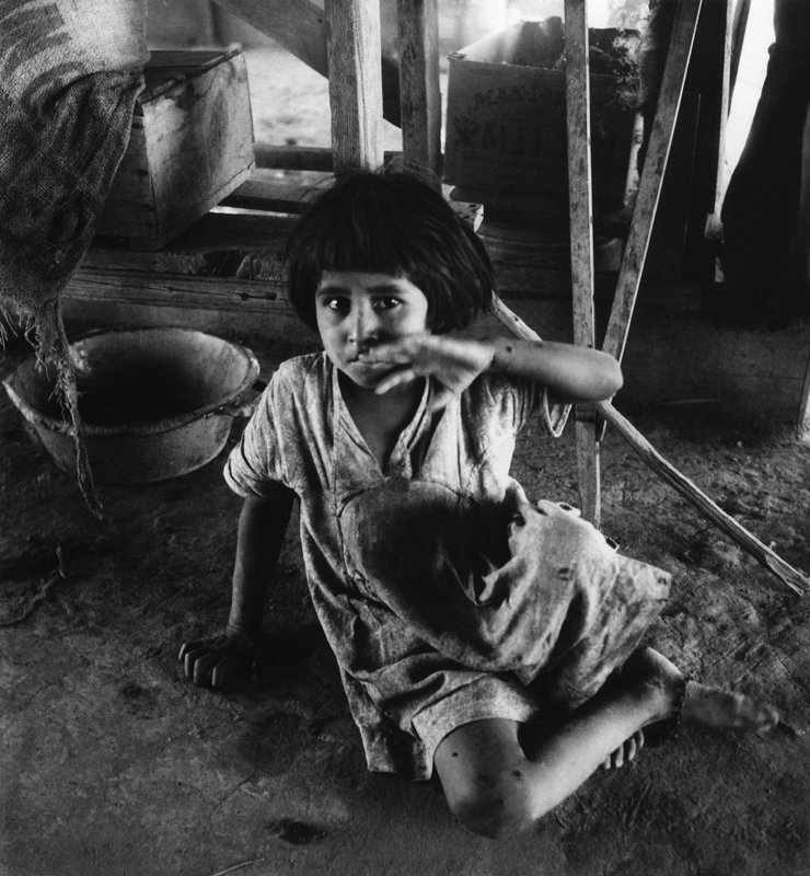 Dorothea Lange,  Mexican Girl , Imperial Valley, California, 1935, cm 37x40, framed cm 55x55