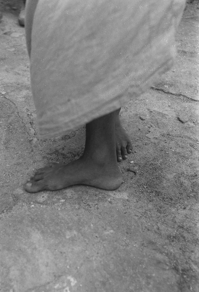Dorothea Lange,  Feet of Priest , Burma, 1958, cm 34x22,5, framed cm 45,5x45,5