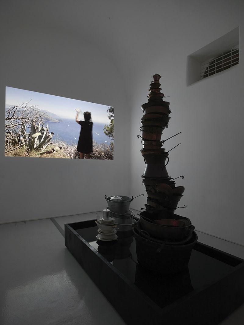 Eulalia Valldosera,  Plastic Mantra , video, 30' ca