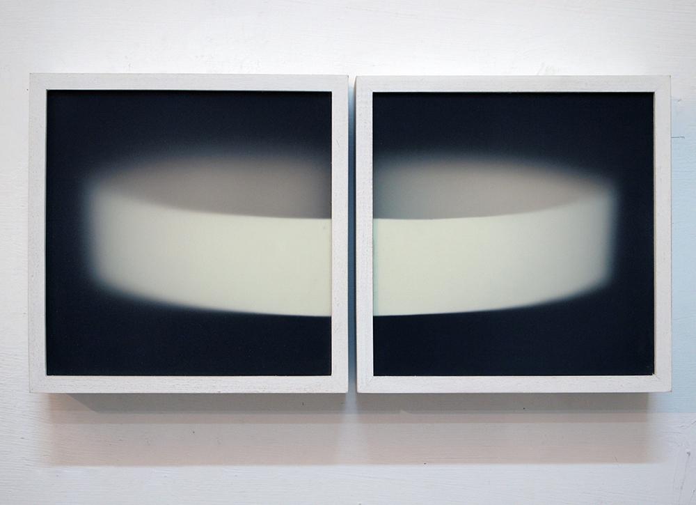 Corpi fragili,  2016 Dittico. Plexiglass, legno, acrilico cm 22x22 cad.
