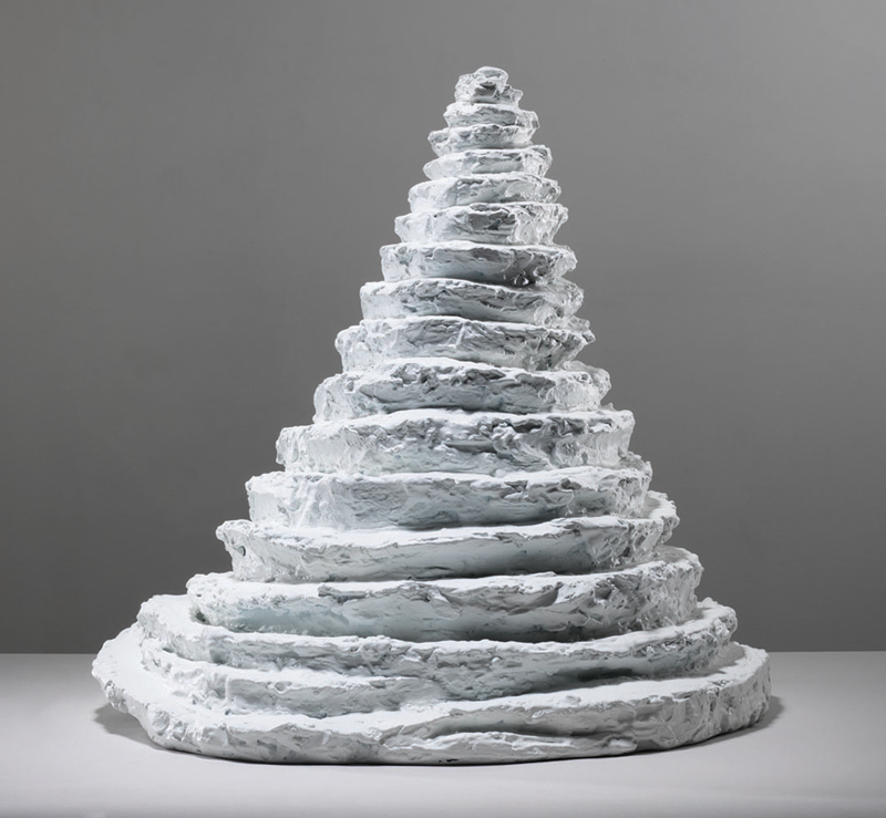 Lair , 1962, bronze, painted white, 55.9 x 55.9 x 55.9 cm, edition 5/6, 1 AP  Ph Christopher Burke © The Easton Foundation/SIAE