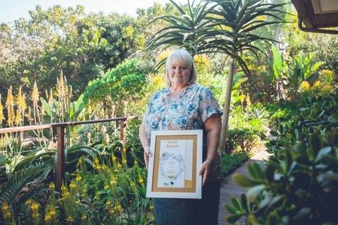 Gold Award, Kiribati, Zimbali.jpg