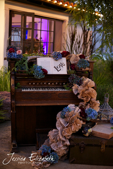 Casino_San_Clemente_Wedding_Photography_Jessica_Elizabeth_Piano.jpg
