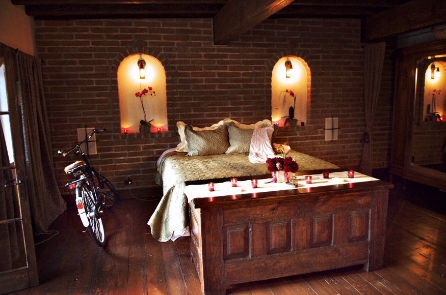 TheVillaSanJuanCapistrano_WeddingPhotography_Bedroom.jpg