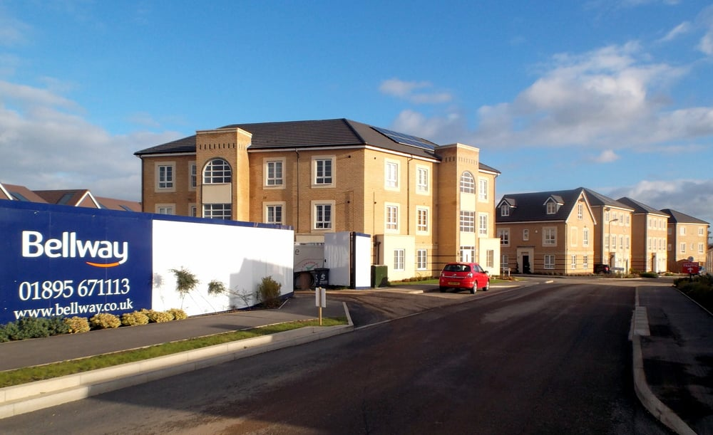 New family houses and a new school being built at Castleview