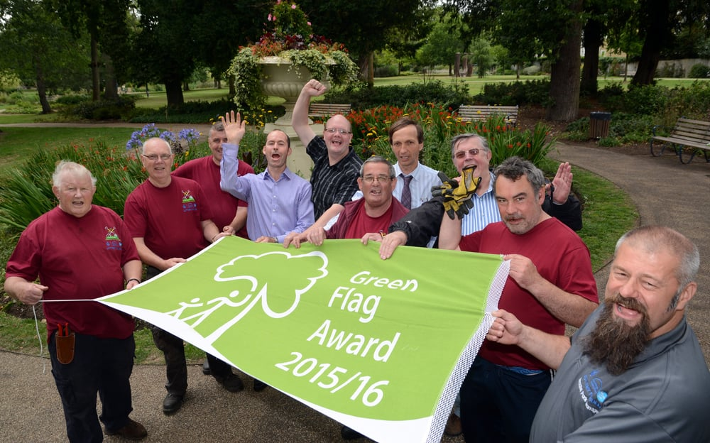 Cllr Swindlehurst with volunteers and our parks team celebrating our Green Flag award for 2015/16