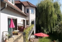 Beer & Breakfast Adresse:  Neuenhainer Weg 14          65719 Hofheim Telefon:   06192 5957 Website: http://www.berndhasel.com/