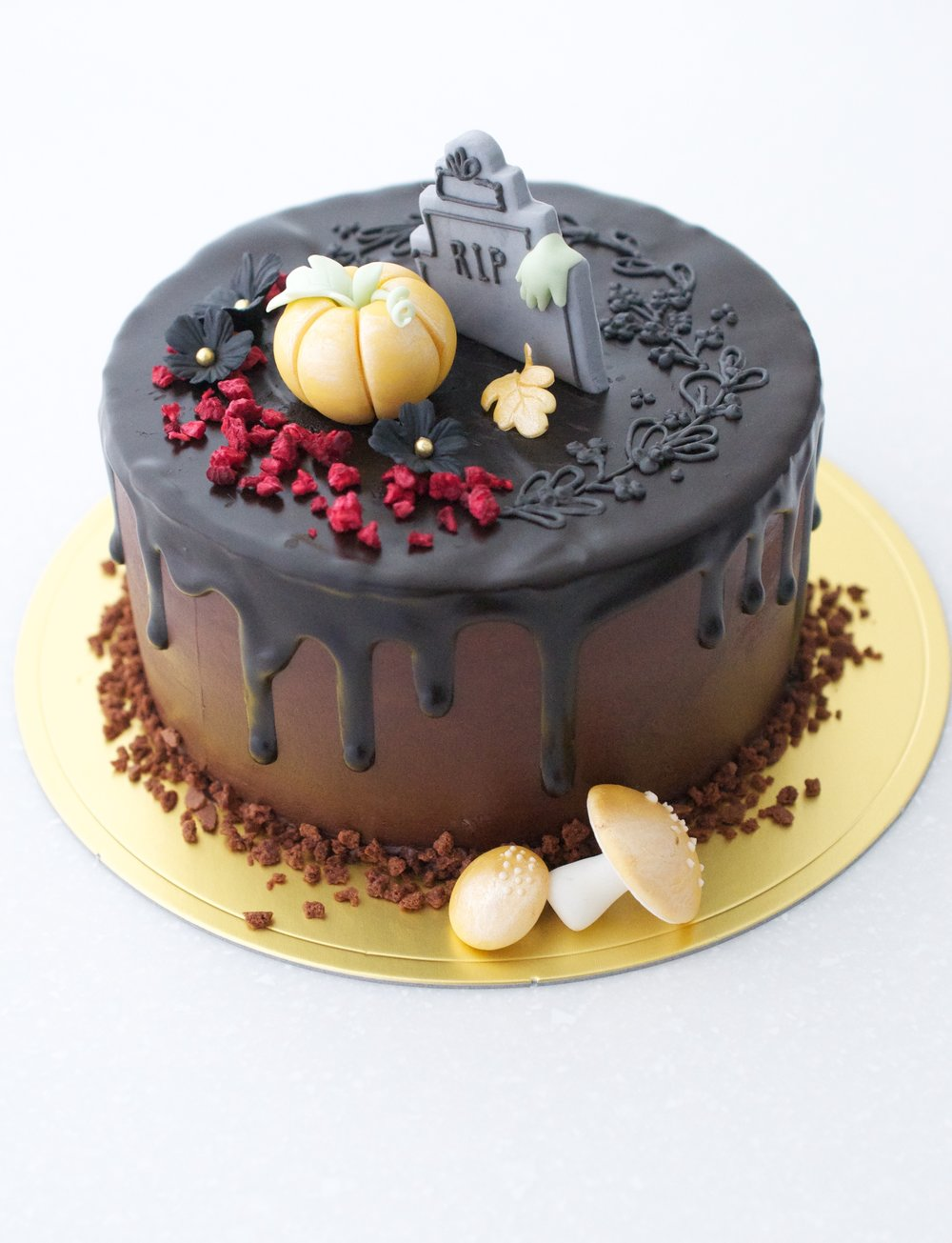 """2016デザイン   """"HALLOWEEN CAKE""""   チョコレートケーキ・デコレーション イベントクラス   レベル:★☆☆"""