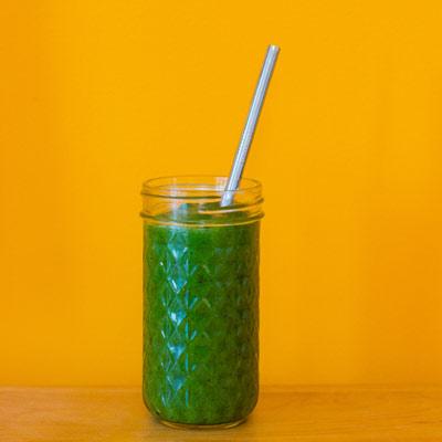Kickin' Kelp-n-Kiwi Green Smoothie