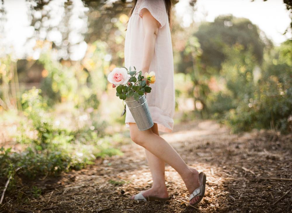 trouve_magazine_emblem_flowers_floral_design_organic_local