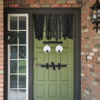 10 MINUTE FRANKENSTEIN DOOR