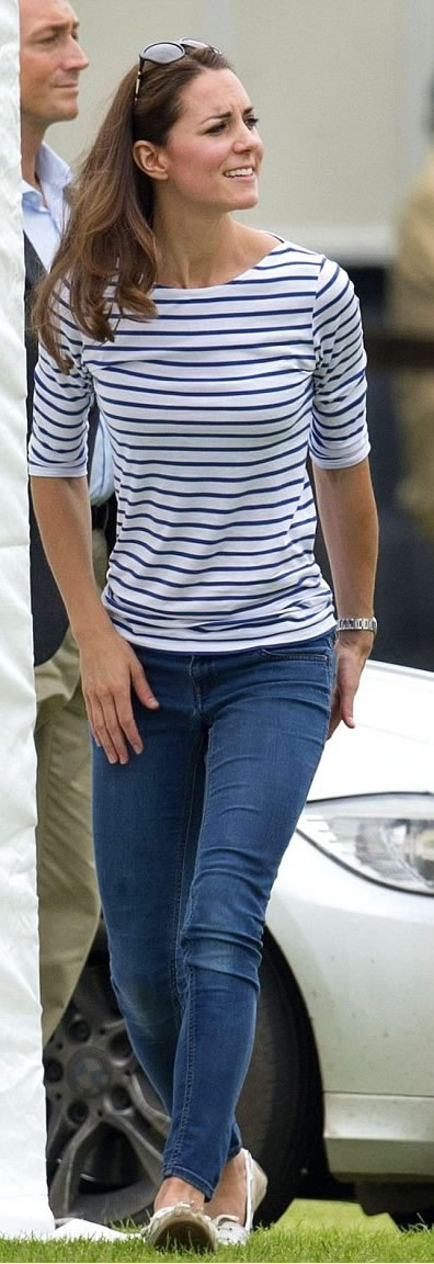 Effortless - Striped Tee and Jeans