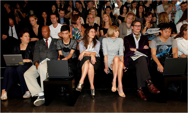 Fashion Bloggers hone in on Anna Wintour's territory - Milan 2009 - NY Times