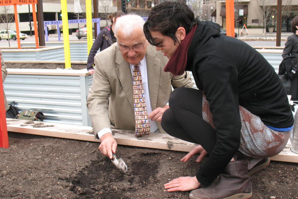 Planting a seed with Nicholas Basbanes.  The Papermaker's Garden. Alex Borgen. Nicholas Basbanes. On Paper. #ThePapermakersGarden #AlexBorgen #SwimmingWithoutWater #NicholasBasbanes