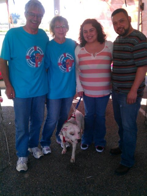 Mike and Sue have been giving Voorhees all the love and care for the last month or so,,,,today they got to see their ward go to his new home....such mixed emotion...so happy for our Dumpster Dog of Donna
