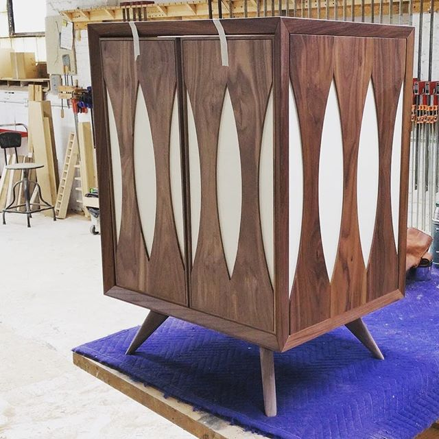 Forward motion on a custom vanity... . . . . . #midcenturymodern #midcentury #mcm #contemporary #brassandbark #instagood #chicago #furniture #furnituredesign #custom #dock6collective #walnut #chicagodesign #interiors #photooftheday #interiordesign #chicagointeriors #etsy #etsyhandmade #handmade #vanity #follow #chicagodesign