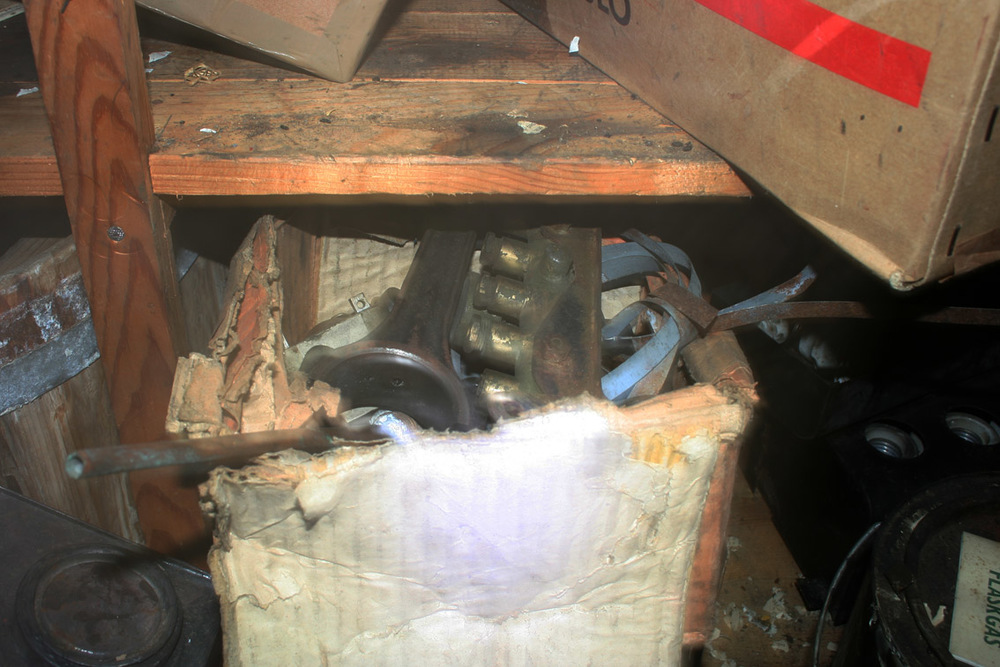 Smøreapparatet!! På en hylle i en boks med ymse lå selveste drømmefunnet. Heldigvis hadde messingen ikke gått til gjenvinning.