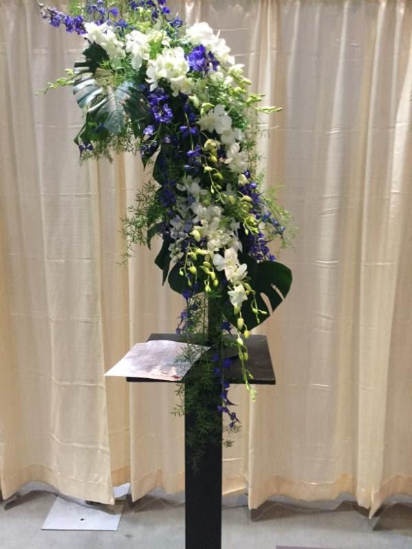 CT Flower Show, Stunning cascade design by Deb Vallas.