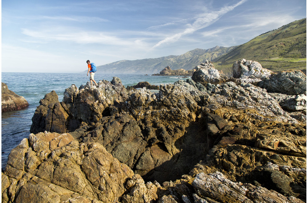 Lifestyle: Three friends on a hiking road trip through the Big Sur coast, California