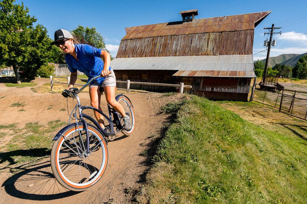 outdoor_lifestyle_Idaho_Ketchum_hiking_Stephen_matera_7-19-18_a9_DSC1639.jpg