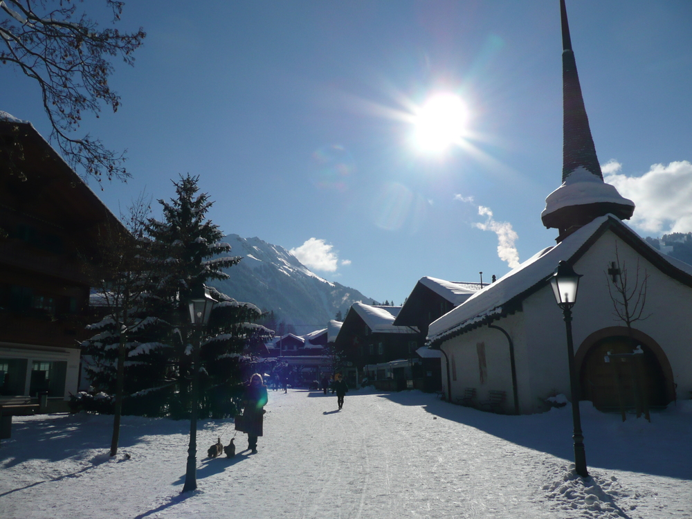 The village of Gstaad (© Gstaad Saanenland Tourismus)