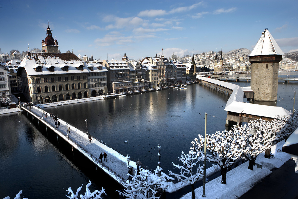 Lucerne and his famous Kapellbruecke (© Luzern Tourismus)
