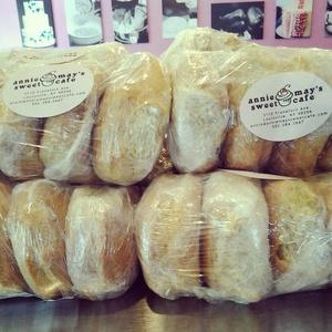 baking_buns.jpg