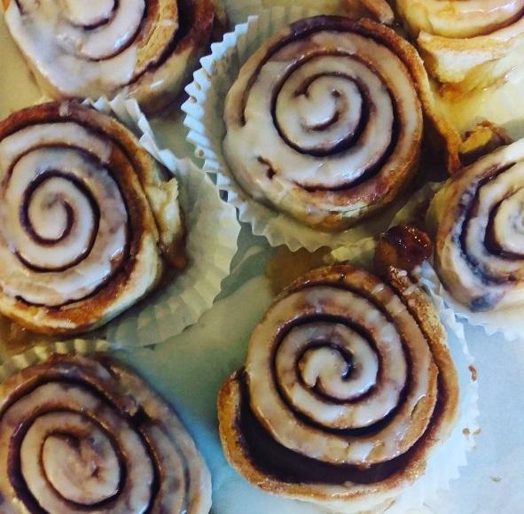 baking_cinnamonrolls.jpg