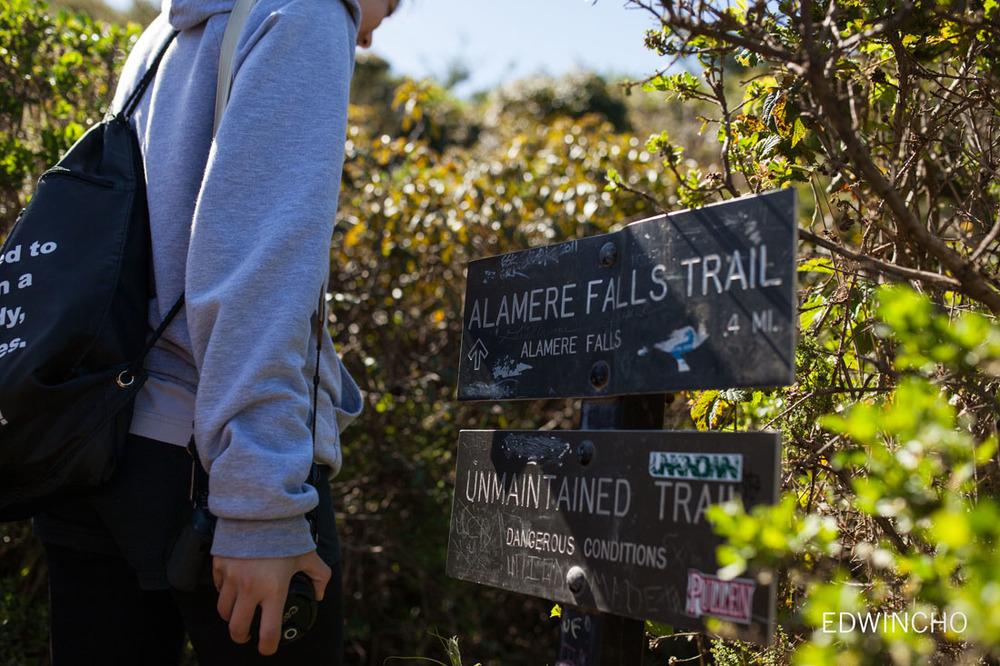 Alamere Falls Sign
