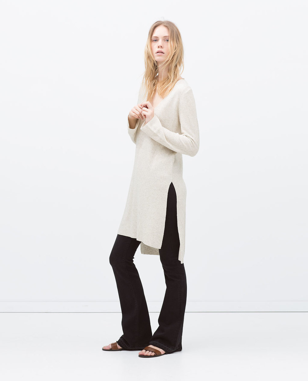 LONG SLIT SWEATER 39.99 USD