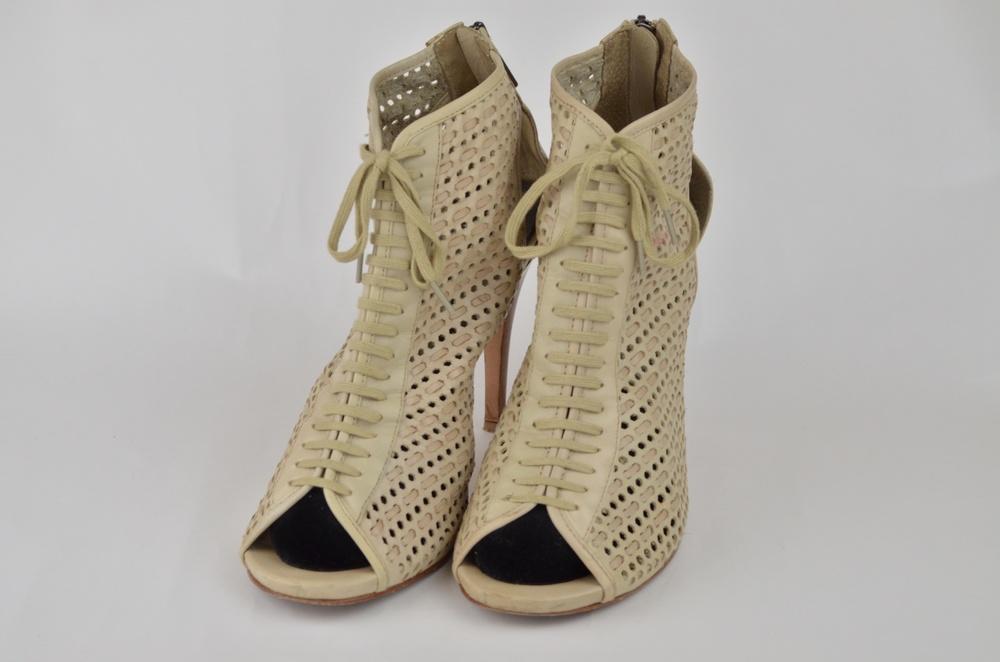 3. DKNY Shoe
