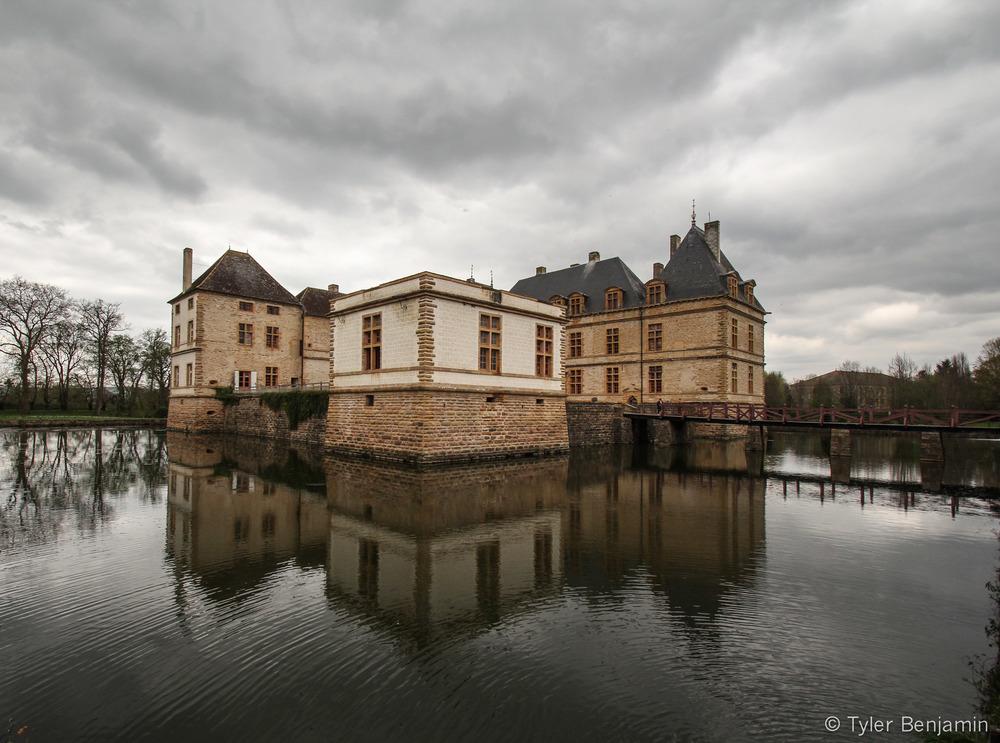 chateau near ozenay.jpg