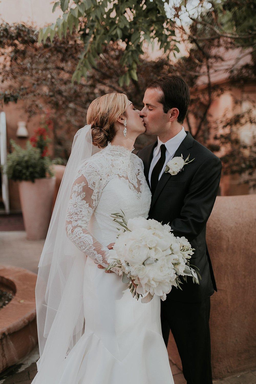 Alicia+lucia+photography+-+santa+fe+wedding+photographer+-+santa+fe+wedding+photography+-+new+mexico+wedding+photographer+-+new+mexico+inn+at+loretto+wedding_0064.jpg