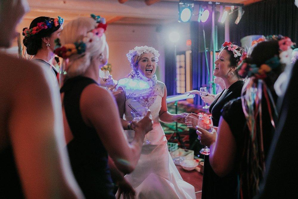 Alicia+lucia+photography+-+santa+fe+wedding+photographer+-+santa+fe+wedding+photography+-+new+mexico+wedding+photographer+-+new+mexico+inn+at+loretto+wedding_0090.jpg